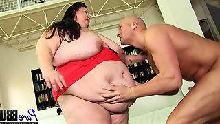 Pretty fat babe